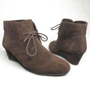 Nine West Womens Lazona Brown Leather Chukka Boots
